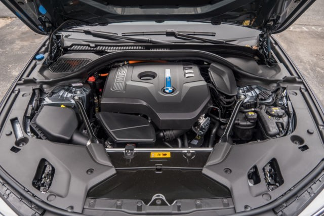 BMW 530e engine