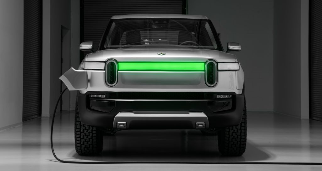 Rivian R1T and R1S fully charged showing in status light bar