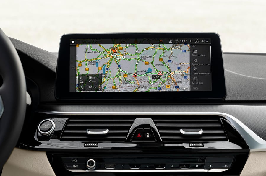 bmw 530e infotainment display