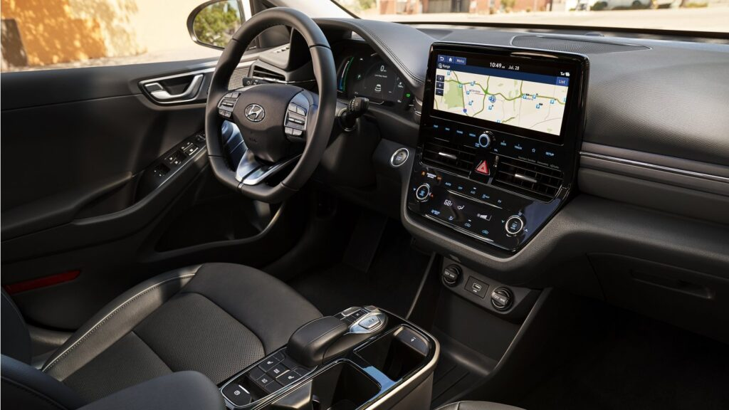 Hyundai Ioniq 2020 Electric - Dashboard, HVAC, and Infortainment
