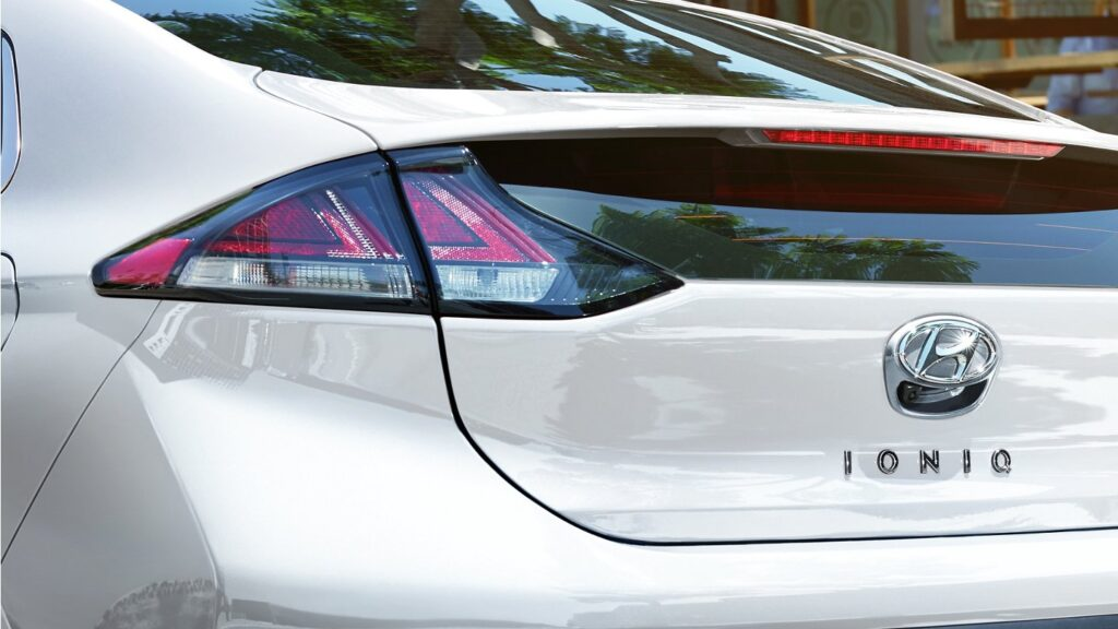 Hyundai Ioniq 2020 Electric - Rear View, LED Tail lights